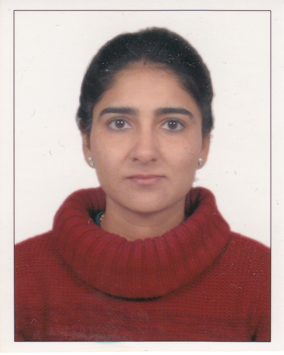 Aarti Malhotra_Passport size photo